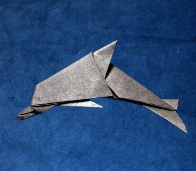 Оригами дельфина